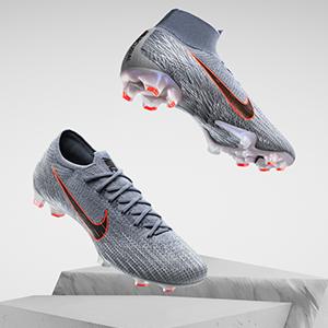 耐克足球鞋