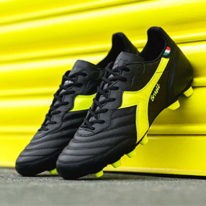 迪亚多纳足球鞋