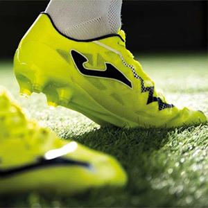 Joma足球鞋