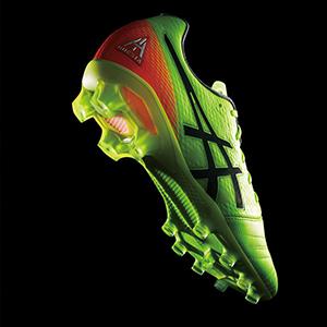 亚瑟士足球鞋
