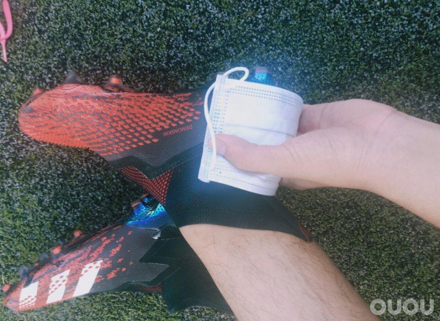 【偶偶第四十四次草根接力实战测评】第二棒:鲜红猛禽Adidas Predator Mutator 20+ FG