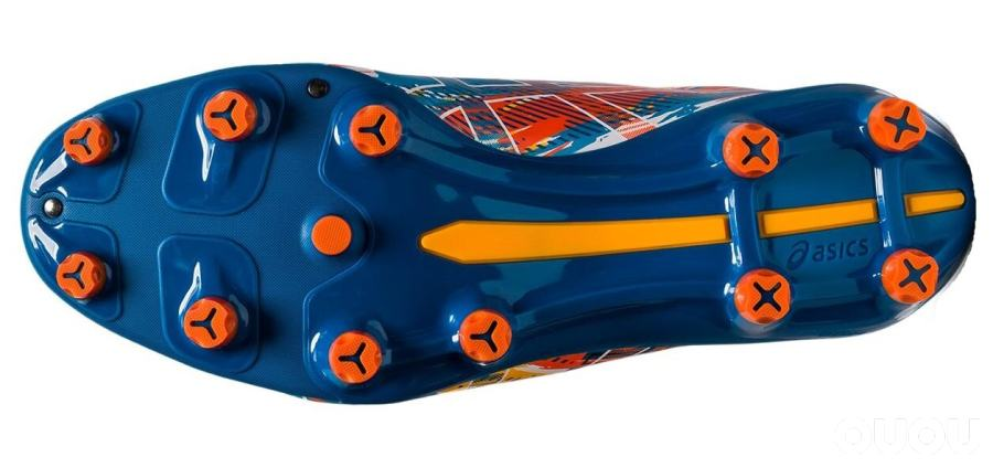 亚瑟士推出全新MENACE 4足球鞋