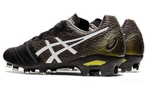 ASICS推出新配色Ultrezza足球鞋