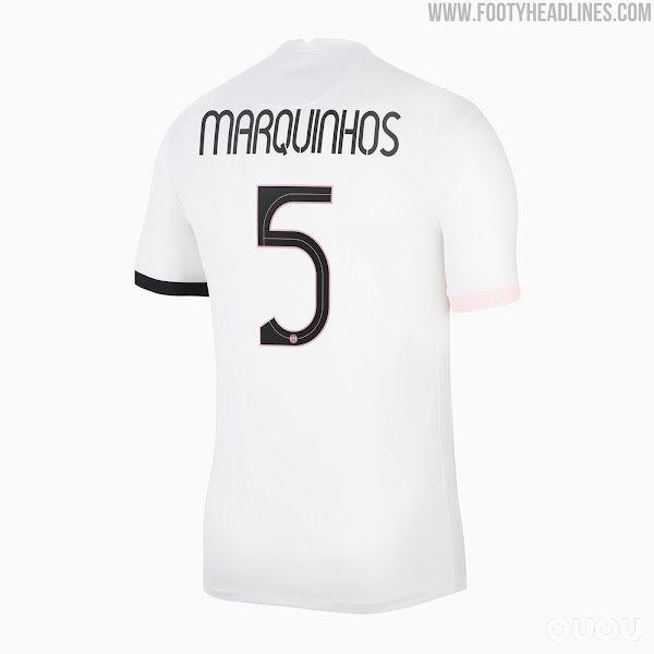 搭配奇怪字体的21-22赛季PSG欧冠客场球衣发布