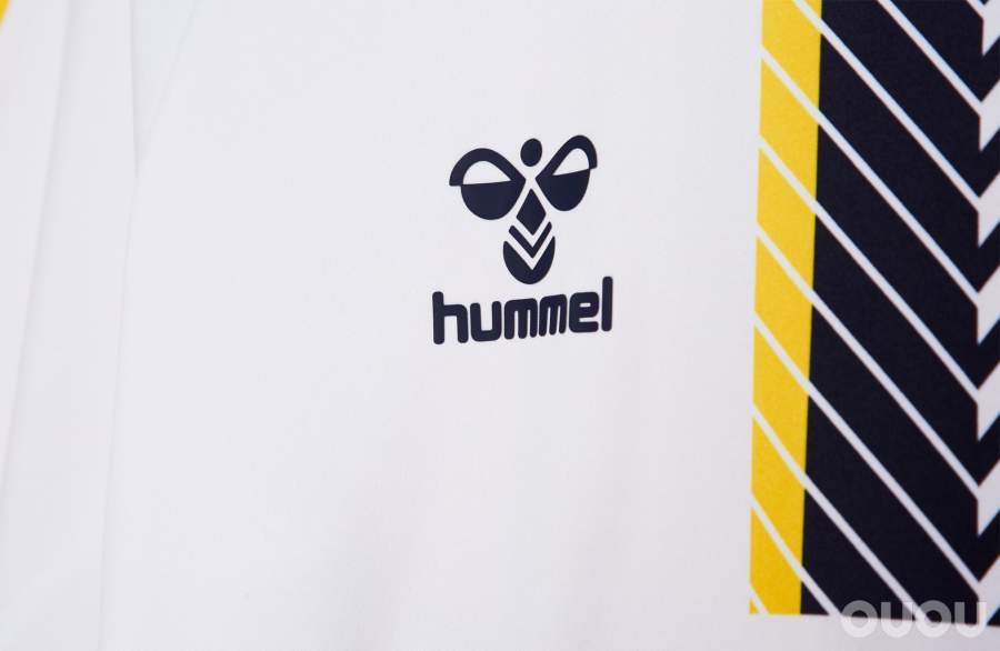 Hummel发布埃弗顿2021/2022赛季第二客场球衣