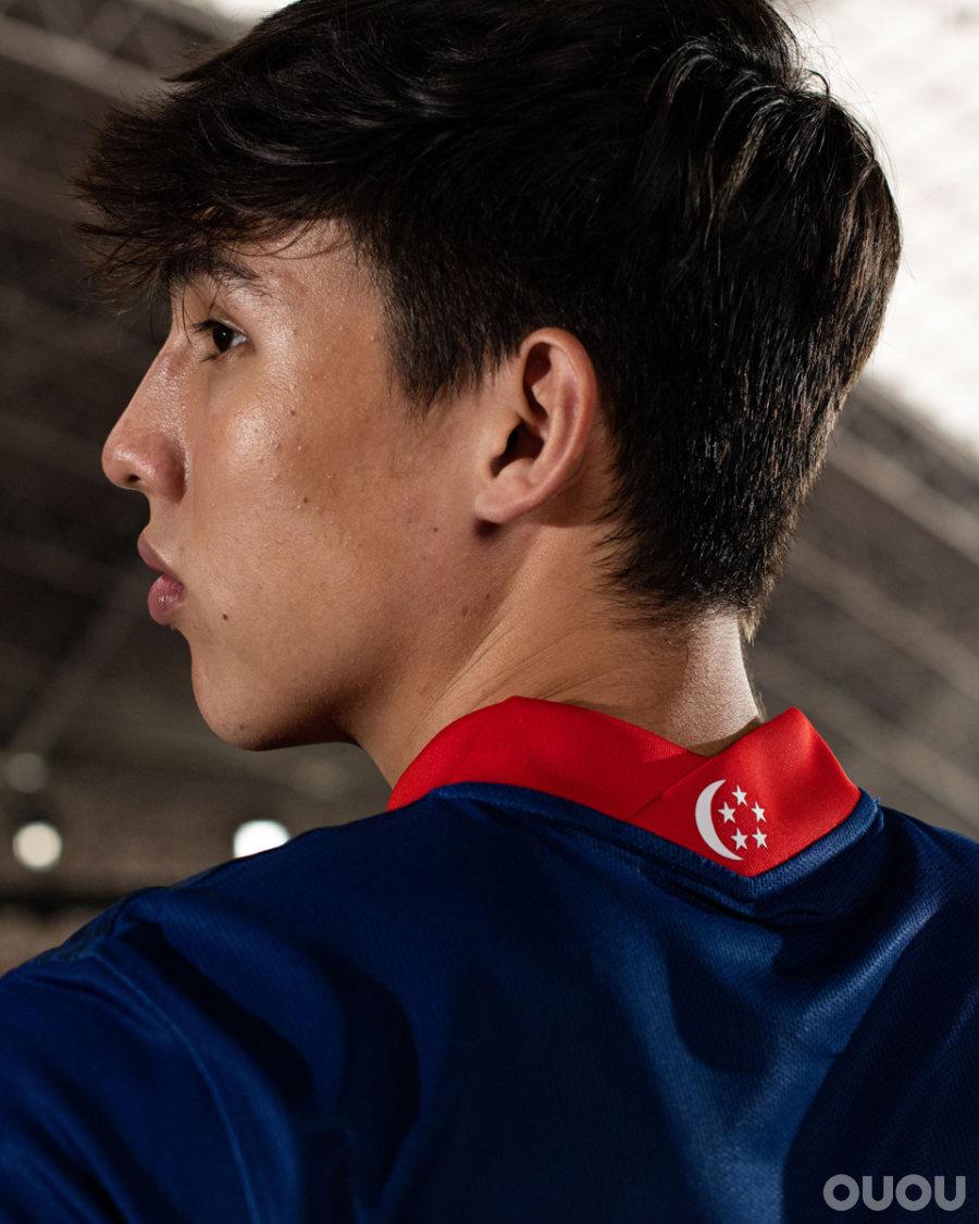 耐克发布新加坡国家队主客场球衣